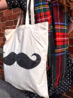 Trends With Benefits: DIY: Moustache Tote Bag
