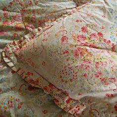 vintage+eiderdown | Image of Double Roses Vintage Eiderdown