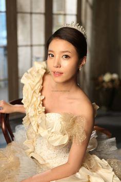 Nihke in Beauty in Korea Hair & Makeup Sample