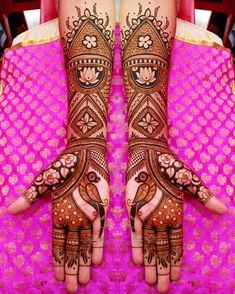 Pick a design and leave it on our Mehendi Expert. Plan your wedding with us now at Bookeventz! Mehndi Designs Feet, Latest Bridal Mehndi Designs, Full Hand Mehndi Designs, Stylish Mehndi Designs, Mehndi Designs For Beginners, Mehndi Designs For Girls, Mehndi Design Photos, Wedding Mehndi Designs, Dulhan Mehndi Designs