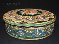 Vintage Tins, Vintage Kitchen, Retro Vintage, My Memory, Retro Design, Childhood Memories, Pewter, Little Girls, Ottoman