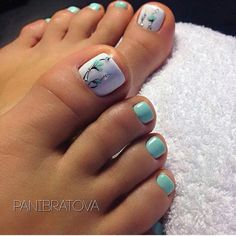 The advantage of the gel is that it allows you to enjoy your French manicure for a long time. There are four different ways to make a French manicure on gel nails. The choice depends on the experience of the nail stylist… Continue Reading → Pretty Toe Nails, Cute Toe Nails, My Nails, Jamberry Nails, Pastel Blue Nails, Toe Nail Color, Toe Nail Art, Nail Colors, Blue Nails
