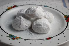 Quick and Easy Mexican Tea Cakes Are Coated in Powdered Sugar: Mexican Tea Cakes