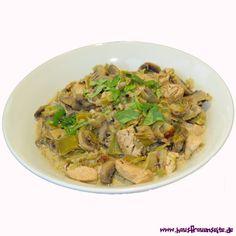 Puten-Pilz-Gulasch - Gulaschrezept für 2 Personen  Billas Rezept für ein leckeres Puten-Pilz-Gulasch glutenfrei Grains, Meat, Food, Romantic Recipes, Goulash Recipes, Mushrooms, Glutenfree, Easy Meals, Essen