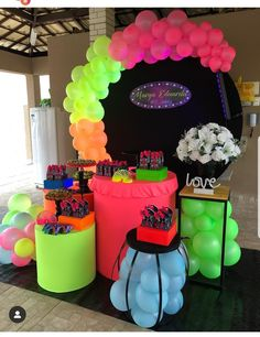 Backyard Birthday Parties, Sleepover Birthday Parties, Girls Birthday Party Themes, 18th Birthday Party, Glow In Dark Party, Glow Party, Neon Party Decorations, Birthday Decorations, Neon Birthday