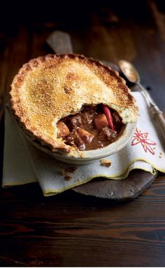 Looking for a beef pie with a twist? This Chinese spiced beef pie recipe is just the thing for you. Great for a hearty Sunday lunch.
