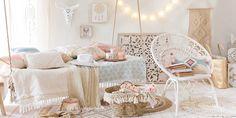 Inspiration Déco ambiance girly Coachella tout en douceur chez Maison Du monde. Mélange de blanc, couleurs pastels et bois