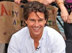 Tom Cruise Smiling Tom Cruise Smile, Tom Crusie, Chinese Face Reading, Smiling People, Smile Face, Celebs, Celebrities, No One Loves Me, Hollywood Stars