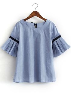 http://es.shein.com/Blue-Bell-Sleeve-Self-Tie-Bow-Back-Striped-Blouse-p-285032-cat-1733.html