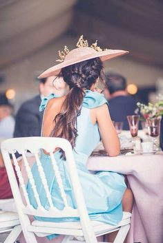 Chic, elegant and sexy Gala Dresses, Event Dresses, Bride Hairstyles, Pretty Hairstyles, Party Fashion, Fashion Outfits, Wedding Guest Looks, Outfits With Hats, Equestrian Style
