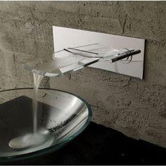 llave grifo mezcladora montaje en muro tipo cascada vidrio
