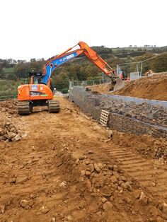 A selection of gabion projects using Weld Mesh supplies. Gabion walls and basket features. Gabion Retaining Wall, Gabion Baskets, Garden Pictures, Baskets On Wall, Natural, Monster Trucks, Landscaping, Buildings, Wire