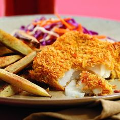 How to make Oven-Baked Fish and Chips. Step by step instructions to make Oven-Baked Fish and Chips . Oven Fried Fish, Fried Fish Recipes, Baked Fish, Seafood Recipes, Cooking Recipes, Healthy Recipes, Cooking Fish, Healthy Meals, Healthy Foods