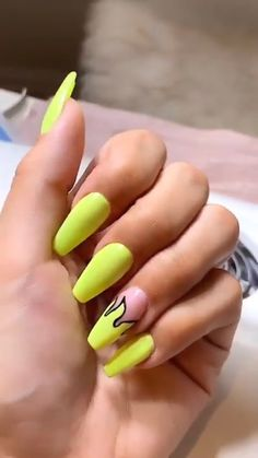 5 Amazing Yellow Nail Art Designs Color Combos for Take a look! Edgy Nails, Aycrlic Nails, Grunge Nails, Funky Nails, Coffin Nails, Nail Deaigns, Stiletto Nails, Halloween Acrylic Nails, Best Acrylic Nails