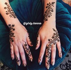 In addition to others pinned Henna Tattoo Designs Simple, Finger Henna Designs, Henna Art Designs, Unique Mehndi Designs, Beautiful Henna Designs, Latest Mehndi Designs, Simple Henna, Bridal Mehndi Designs, Mehndi Designs For Hands
