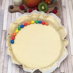 Rezepte: M&M'S®-Torte - M&M'S®-Torte, das Chefclub-Rezept im Video-Format Source by - Easy Cookie Recipes, Sweet Recipes, Cake Recipes, Dessert Recipes, Quick Dessert, Healthy Recipes, Easy Vanilla Cake Recipe, New Cake, Food Cakes