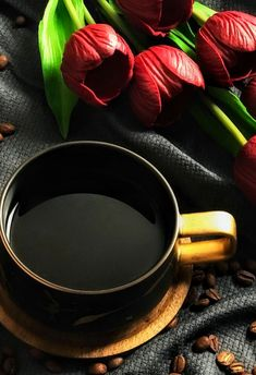 Coffee Cafe, Hot Coffee, Coffee Break, Coffee Drinks, Morning Coffee, Coffee Pictures, Good Morning Friends, Flower Tea, Food Photography Styling