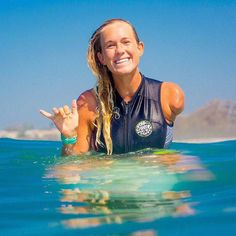 Surfing holidays is a surfing vlog with instructional surf videos, fails and big waves Fille Anime Cool, Professional Surfers, Soul Surfer, No Rain, Big Waves, Surfs Up, Surf Girls, Beach Bum, Role Models