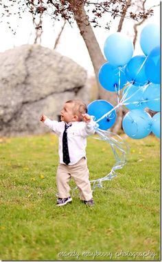 Kris 2nd birthday photo idea- balloon fun but ides for charli