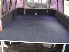 Cama en Kombi VW Kombi Camper, Camper Beds, Kombi Home, Campervan, Volkswagen Bus Interior, Camper Interior, Siege Camping, Truck Toppers, Van Bed