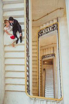 Gorgeous+Architectural+Wedding+Portraits+|+IQphoto+Studio+|+See+More!+http://heyweddinglady.com/a-chic-san-francisco-city-hall-elopement-from-iqphoto-studio/