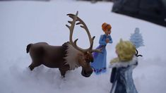 Frozen Princess Elsa and Her Sister Anna, Olaf, Sven Playing in the Snow Frozen Princess, Creative Play, Olaf, Activities For Kids, Moose Art, Sisters, Anna, Childhood, Nature