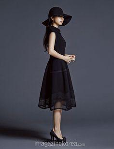Extra Shots Of Park Bo Young From The June 2015 Edition Of Harper's Bazaar Korea Korean Face, Korean Girl, Park Bo Young, Korean Actresses, Harpers Bazaar, Korean Beauty, Simple Outfits, Vintage Looks, Korean Fashion