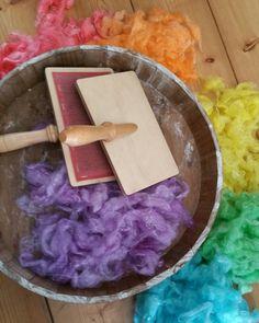 Handkaarden, regenboog, mohair door monique van Groningen  (facebook page Monique's fiber art )