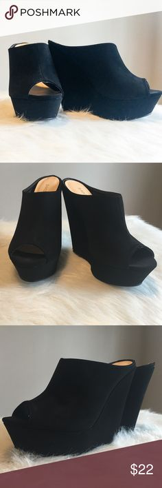 Black Faux Suede Peep-Toe Platform Wedge Heels 8 EUC Black Faux Suede Peep-Toe Slide in Platform Wedge Heels. Size 8. These are made with faux suede material. Very comfortable. No box included.❌ No Trades ❌ No off Poshmark transactions ❤️ Bundle and save 📬 Fast shipper ❤️ I love reasonable offers bamboo Shoes Wedges