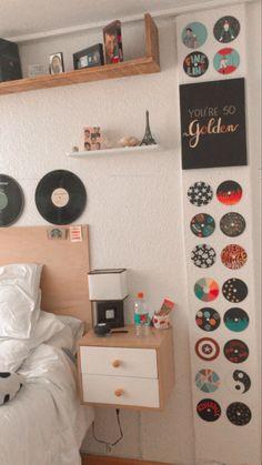 Indie Room Decor, Cute Bedroom Decor, Room Design Bedroom, Aesthetic Room Decor, Room Ideas Bedroom, Neon Room, Cute Room Ideas, Vintage Room, Cozy Room