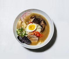 A love story starring our brand-new small serving bowl and our personal ramen guru, the brilliant Peter J. Kim.