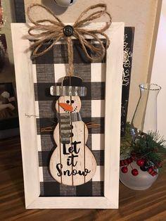 Farmhouse Christmas Ornaments, Christmas Lanterns, Handmade Christmas Decorations, Christmas Wood, Primitive Christmas, Christmas Signs, Xmas Decorations, Holiday Crafts, Christmas Time
