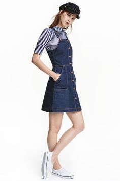 Denim dungaree dress Denim dungaree dress: Short dungaree dress in washed stretch denim with buttons down the front, adjustable straps, a seam at the waist and side pockets. Denim Dungaree Dress, Denim Jumper Dress, Jeans Dress, Dungarees, Overalls, Denim Outfits, Casual Outfits, Cute Outfits, Denim Dresses