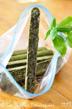 Basilic : congélation dans l'huile d'olive Fresco, Super Greens, Dehydrator Recipes, Batch Cooking, Home Food, Fresh Herbs, Clean Eating Snacks, Food Hacks, Food Porn