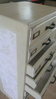 Beautiful comissioned piece. Hand painted in Annie Sloane cream and distressed with dark wax.