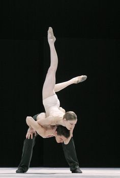 Nederlands Dans Theatre - favourite contemporary dance company!