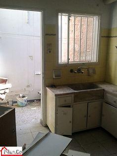 Ανακαίνιση Κουζίνας στο Μπουρνάζι - Ντουλάπια - Βαψίματα - Εντοιχισμός - Κατάσταση Πριν και Μετά Vanity, Bathroom, Dressing Tables, Washroom, Powder Room, Vanity Set, Full Bath, Single Vanities, Bath