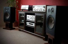 Audio rooms audiophile Vintage Audio L - audiorooms Hi Fi System, Audio System, Happy Photos, Love Photos, Tapas, Audio Stand, Vinyl Room, Lp Vinyl, Vinyl Collectors