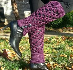 Items similar to Crochet Leg Warmers on Etsy Crochet Boot Cuffs, Crochet Leg Warmers, Crochet Boots, Diy Crochet, Crochet Crafts, Crochet Clothes, Steampunk Boots, Hunter Boots Outfit, Fashionable Snow Boots
