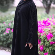 Repost @vandellaline with @instatoolsapp تسليم فوري طول حمـدة Price : 1000 QR . #subhanabayas #fashionblog #lifestyleblog #beautyblog #dubaiblogger #blogger #fashion #shoot #fashiondesigner #mydubai #dubaifashion #dubaidesigner #dresses #capes #uae #dubai #abudhabi #sharjah #ksa #kuwait #bahrain #oman #instafashion #dxb #abaya #abayas #abayablogger #абая