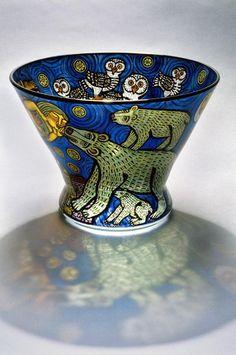 """""""I Was Dreaming of Spirit Animals"""" by Cappy Thompson, x 40 cm / Chrysler Museum of Art , Norfolk, VA Fused Glass, Glass Vase, Glassy Eyes, Tiffany, Chrysler Museum, Glass Artwork, Modern Glass, Antique Glass, Creative Art"""