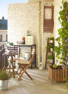 Organiza y decora tu balcón para que puedas aprovechar al máximo este rincón de tu casa. Crea un espacio cómodo para disfrutar y relajarte. - #decoracion #homedecor #muebles