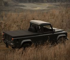 Commonwealth Classics is selling the Georgetown, a restored and modfied luxury Land Rover Defender 110 single cab pickup truck. Land Rover Defender Pickup, Landrover Defender, Farm Trucks, Tonneau Cover, Pick Up, Landing, Classic Cars, Commonwealth, Pickup Trucks