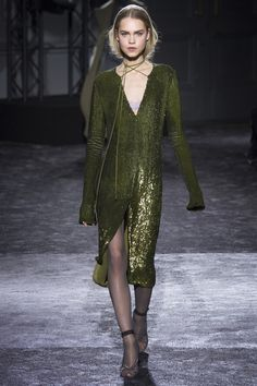 Nina Ricci - Fall 2016 Ready-to-Wear