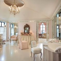 §Luxurious, perfectly pink dressing room