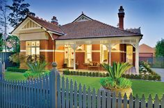 A beautifully presented solid brick Edwardian family residence. Victorian Style Homes, Edwardian House, Cute Cottage, Red Cottage, Australian Architecture, Australian Homes, Brick Facade, Facade House, Solid Brick