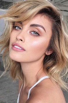 Love this lob with piecey short layers. Super cute short blonde hairstyle