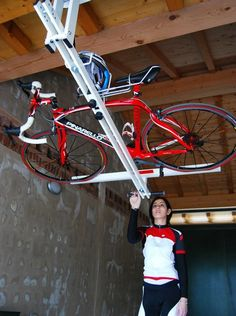 Flat Bike Lift eleva tu bici con un empujón para almacenarla en el techo [video] - Bike T3CH