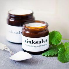 Zinksalva är en populär salva för eksem och utslag. Zinksalva är lätt att göra själv med hudvårdande ekologiska ingredienser som passar ändamålet precis!