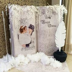 ✨ Какой же должна быть #фотозона на сказочной свадьбе?) Конечно же в виде книге, в которой изложена вся история любви #принцессалебедь Свадьба Игоря и Ольги Организация и декор @anturazh_wd #студияантураж_тюмень #лучшиесвадьбытюмени